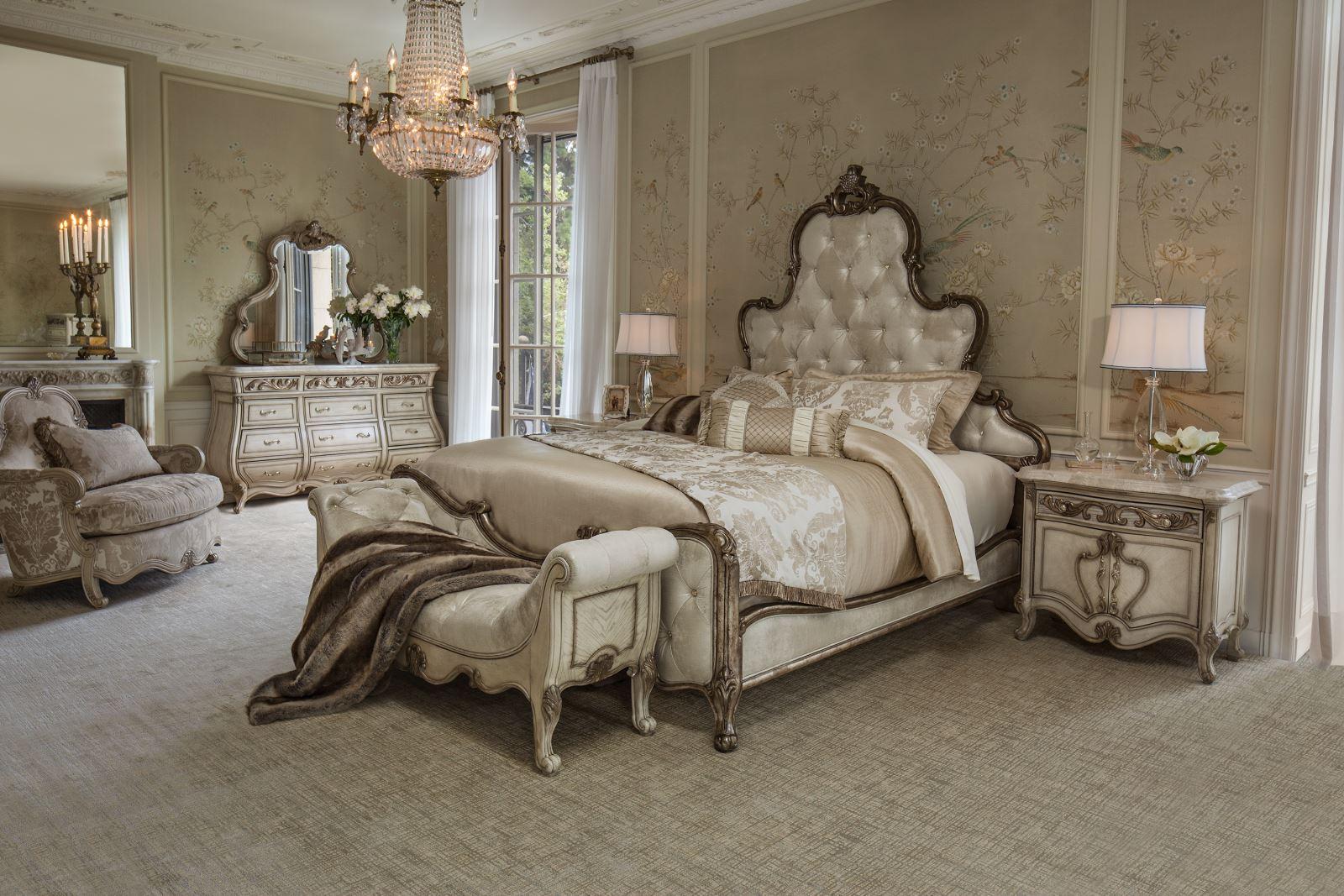 Platine De Royale Panel Bed