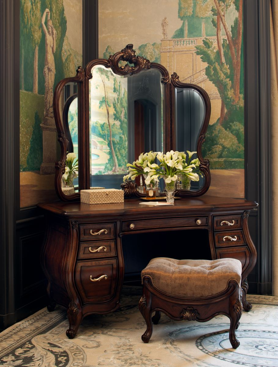 NEW French Provincial Platine de Royale Vanity in Light Espresso by AICO eBay