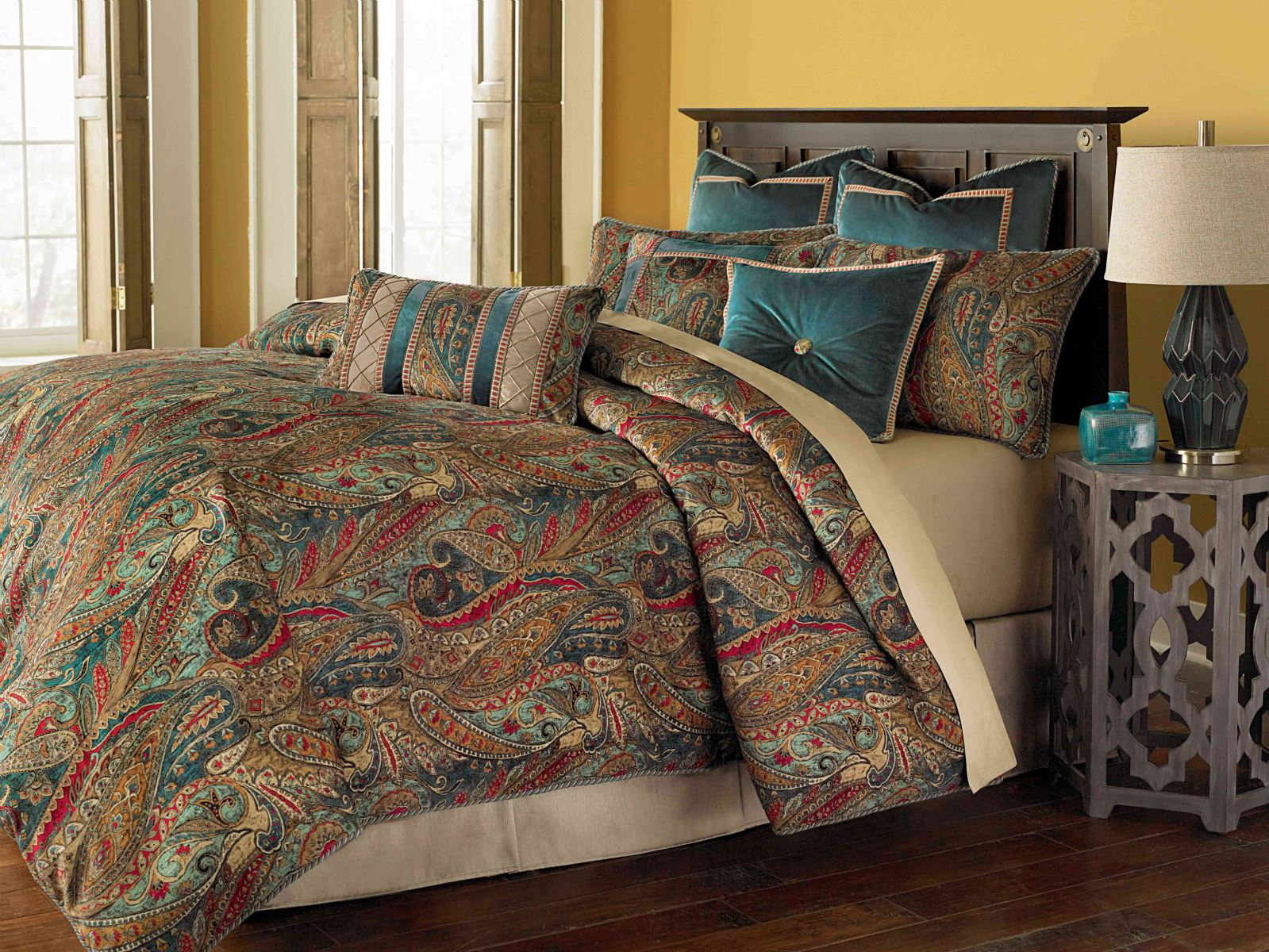 NEW Michael Amini Seville 9pc Queen Mediterranean-Inspired